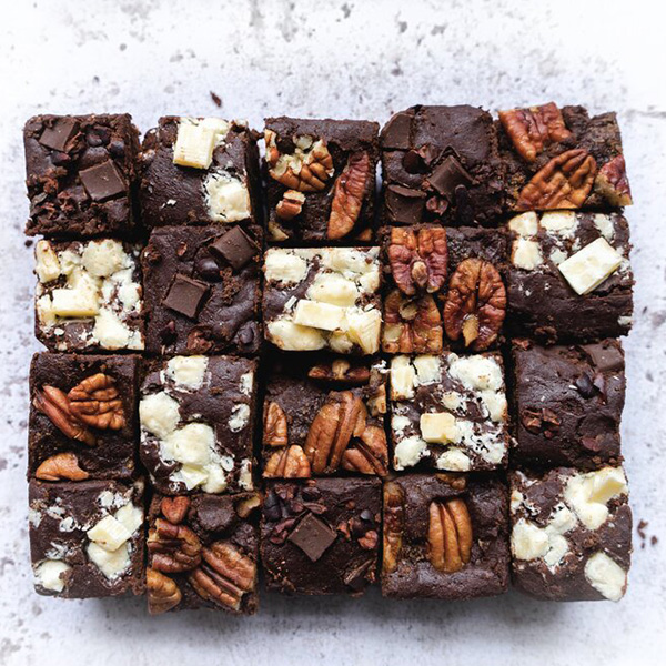 20 mini brownie bite selection in different flavors