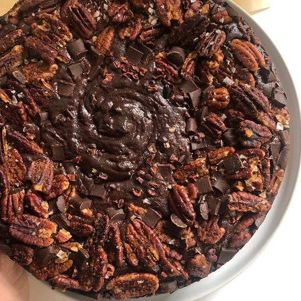 whole brownie cake